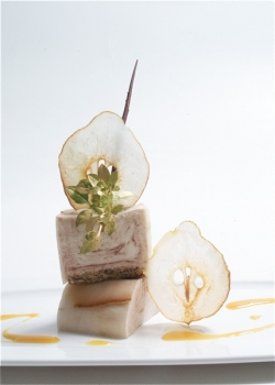 Dessert seminar with pear and nougat