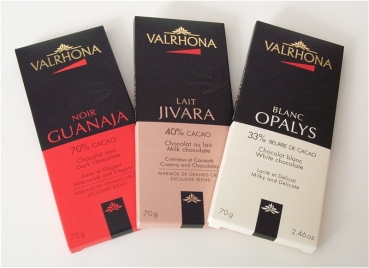 Valrhona, set of 3 GUANAJA 70 %, JIVARA 40%, OPALYS 33 %, each bar of chocolate 70 g