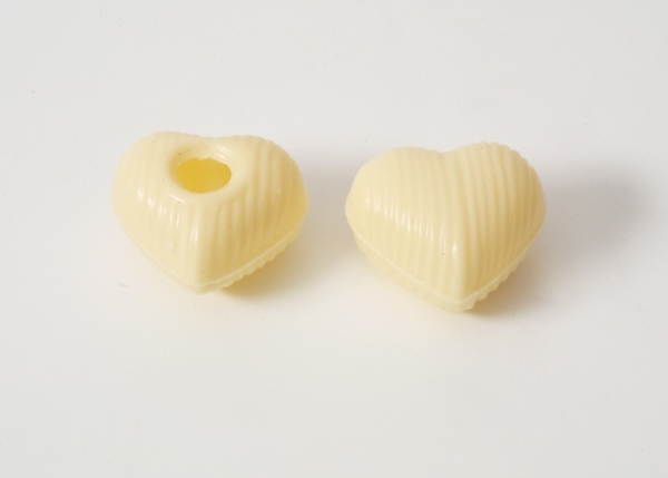 Box - white chocolate heart hollow shells at sweetART